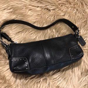 Coach Black Pebbled Leather Purse! (A560)